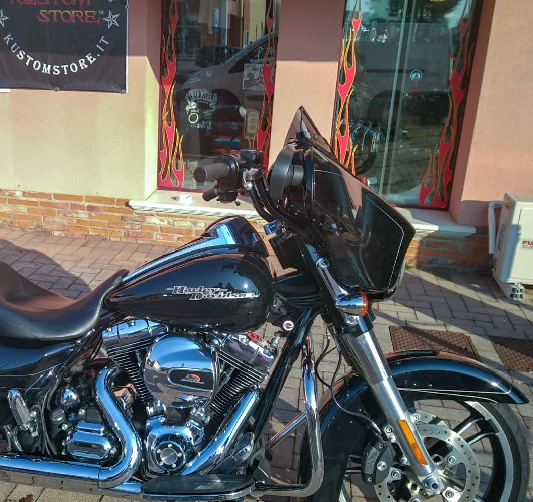 Ape hanger Street Glide Manubrio Harley Davidson Un Pollice